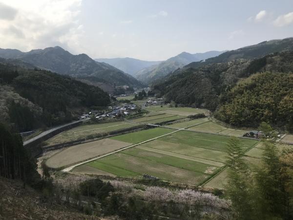 宮崎県美郷町北郷地区の宇納間地蔵尊 上から見える景色。